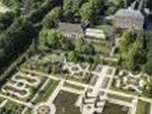 Schlossgaerten-Arcen-klein.jpg