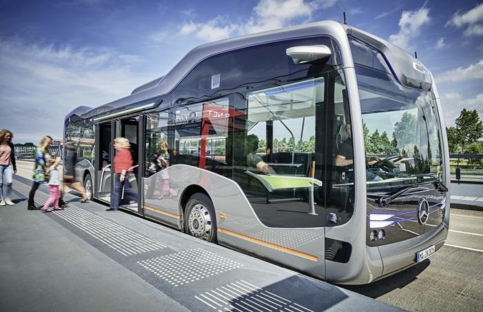 Mercedes-Benz Future Bus in Amsterdam unterwegs