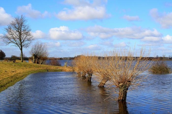 Grenzüberschreitender Hochwasserschutz und Standort Grenzregion