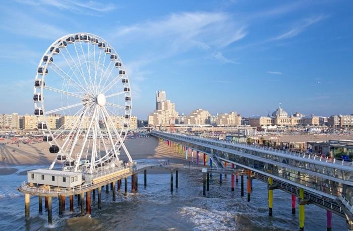 Scheveningen eröffnet Europas erstes Riesenrad über dem Meer