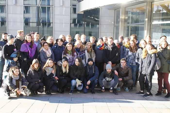 Studenten aus Deutschland und den Niederlanden gemeinsam in Brüssel