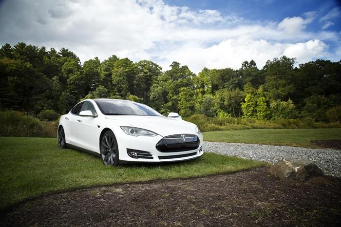 Niederländischer Norden umgarnt Tesla