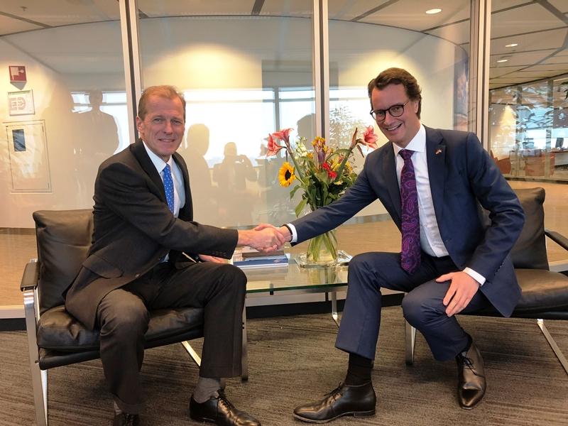 Land NRW und Hafen Rotterdam intensivieren Zusammenarbeit