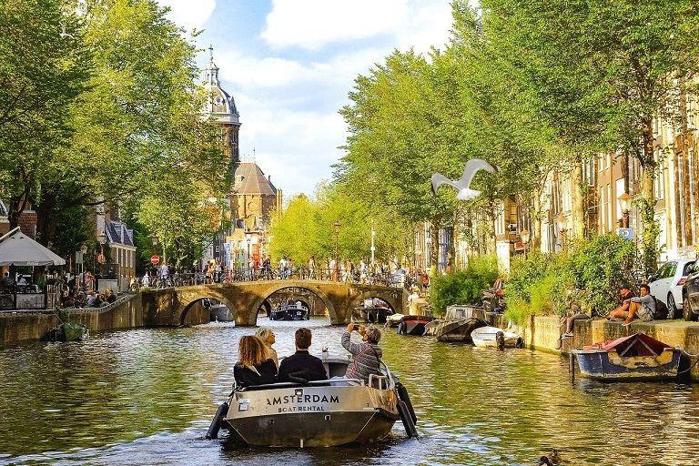 Grote toeloop van Duitse toeristen in Nederland