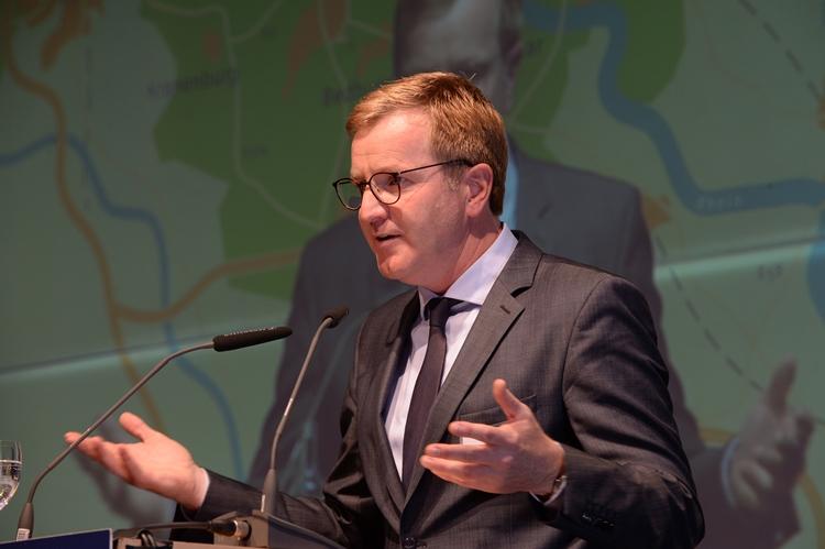 """Wirtschaftsförderer suchen Kontakte beim """"Netwerkborrel"""" in Utrecht"""
