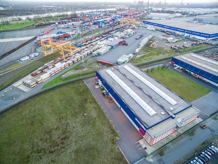 Kooperation in der Binnenschifffahrt zwischen Duisburg und Rotterdam