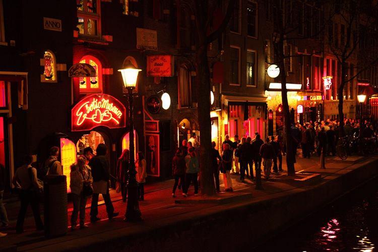 Amsterdam: Wer sich nicht benimmt, muss zahlen