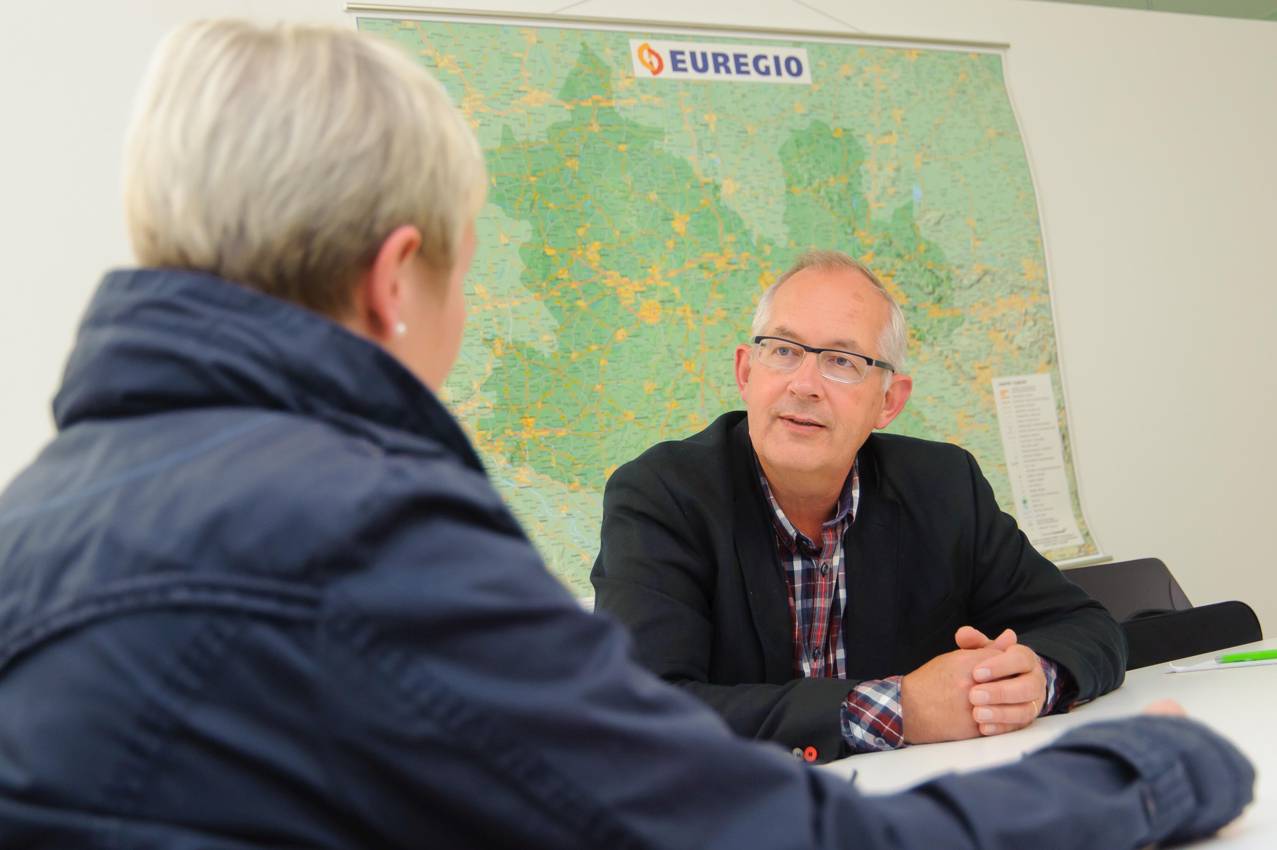 """Christoph Almering: """"Nu signalen afgeven voor voortbestaan GrensInfoPunten"""""""