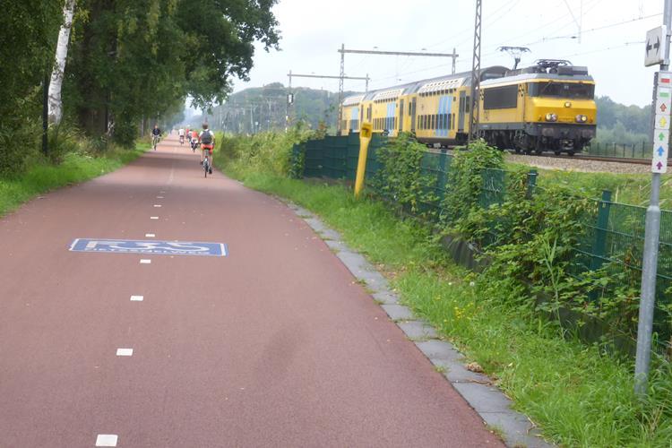 Radfahren in den Niederlanden: Straßenbauamt des Kreis Steinfurt begeistert
