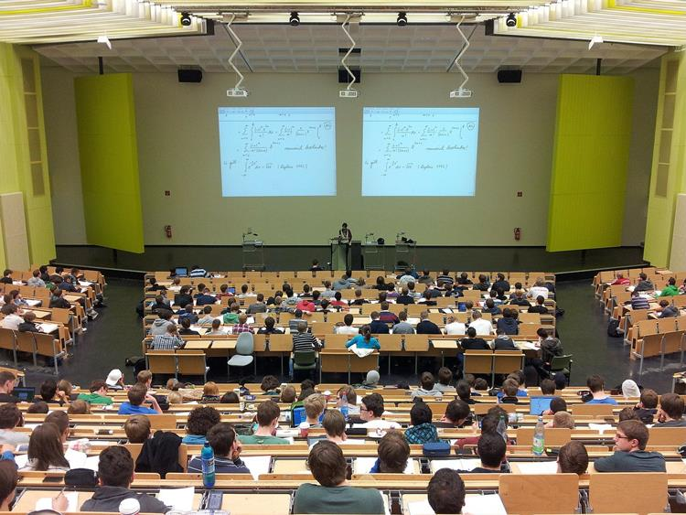 NRW-Landesregierung plant deutsch-niederländische Universität