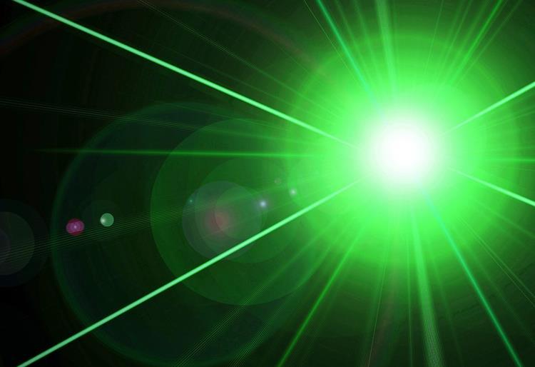Grüner Laserstrahl Teil deutsch-niederländischen Projekts
