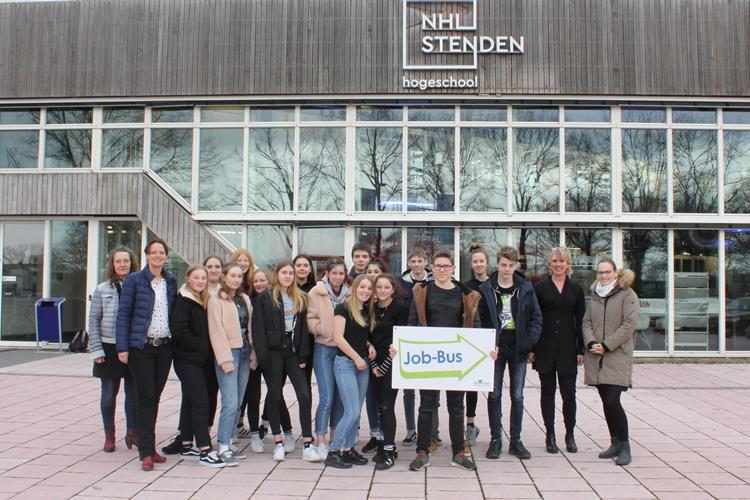 Deutsche Schüler besuchen Emmen: Erfahrungsaustausch im Nachbarland