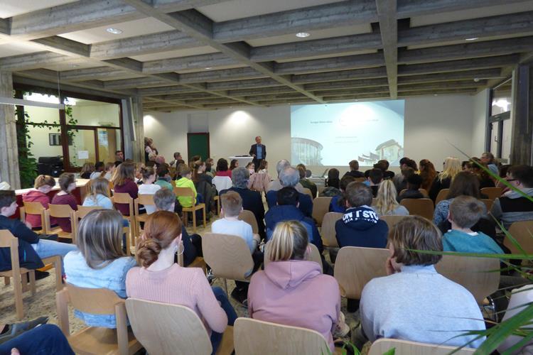 Euregio-Ambassadeure tauschen sich mit Schülern aus