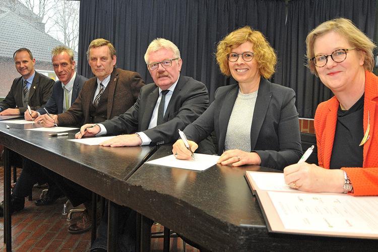 Absichtserklärung für Buslinie Bocholt-Aalten unterzeichnet