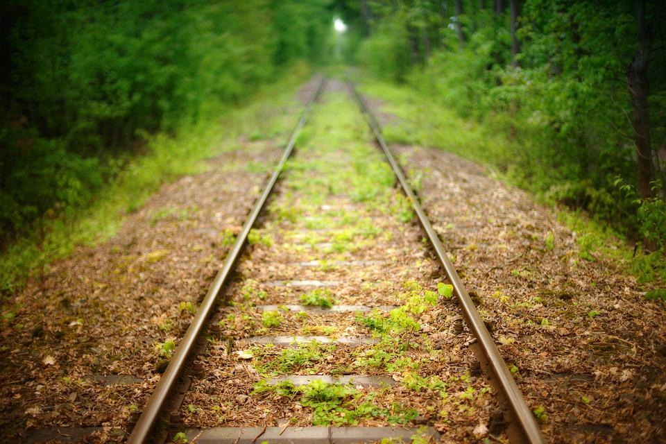 CDU-politicus en vakbondsvertegenwoordigers bespreken mogelijkheden spoorlijn Nijmegen-Kleve