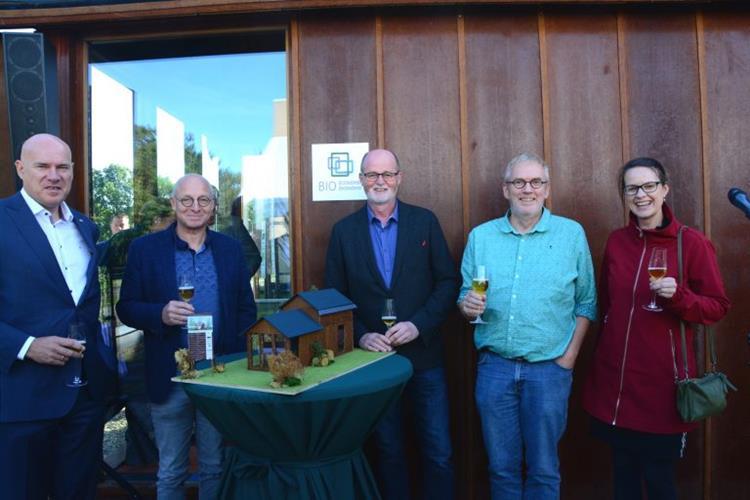 Deutsch-niederländisches Tiny House in Emmen eingeweiht