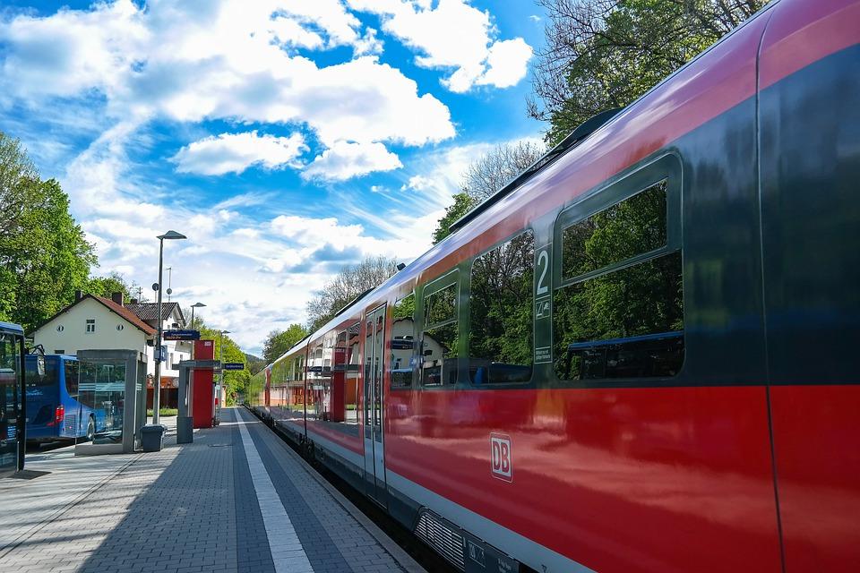 INTERREG-project EuregioRail van start: onderzoek naar directe treinverbinding tussen Zwolle en Münster