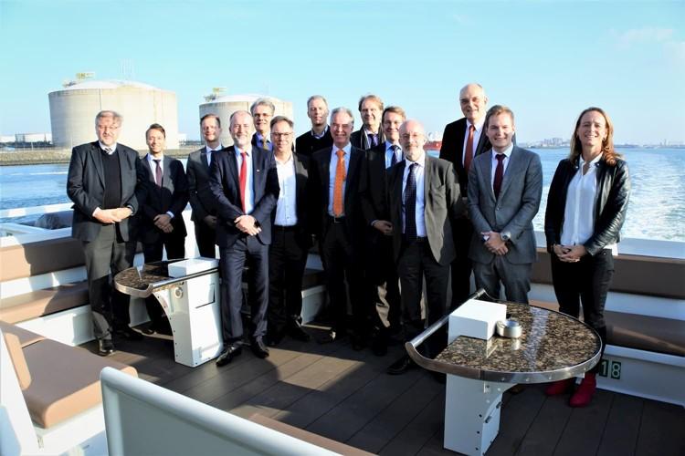 Deutsche Industrie lobt Hafen Rotterdam