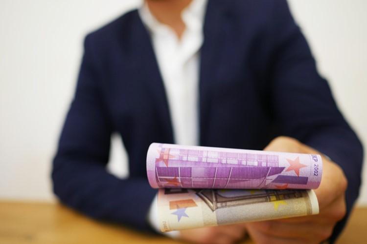 Lohnfortzahlung im Krankheitsfall in den Niederlanden