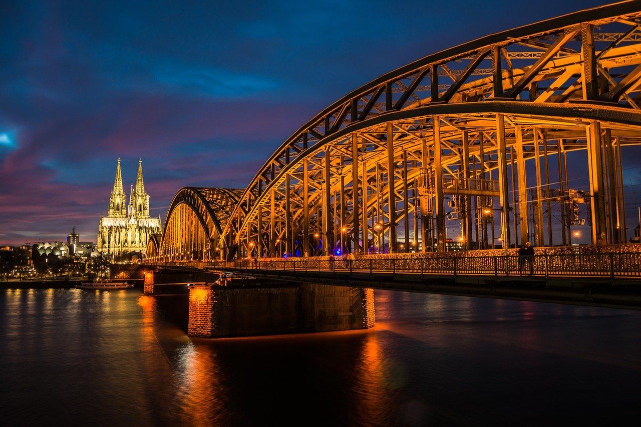 DNHK organiseert symposium over bruggenbouw