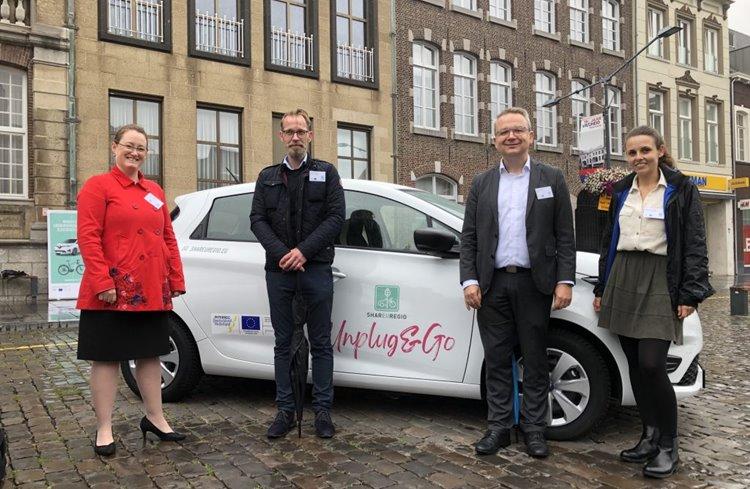 Erste SHAREuregio Unplug & Go-Fahrzeuge enthüllt