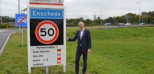 Münster als partnerstad op plaatsnaamborden Enschede