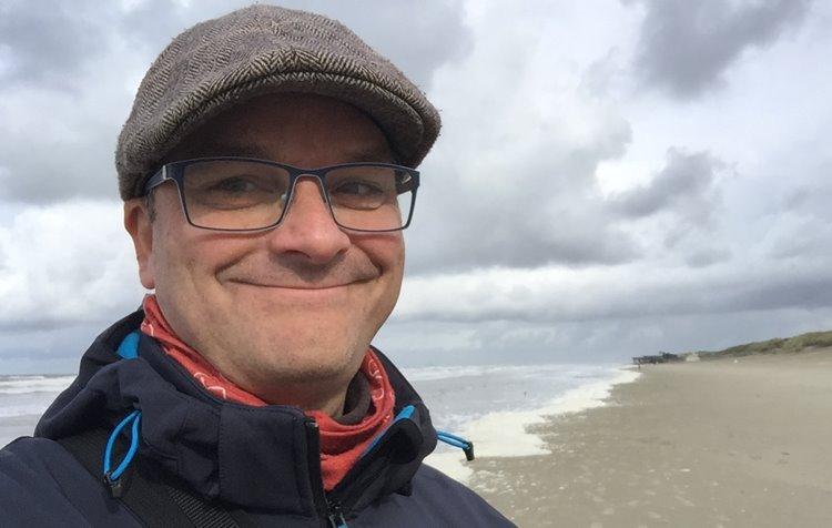 """Podcast """"LEKKER anders"""": Im Gespräch mit Oliver Hübner"""