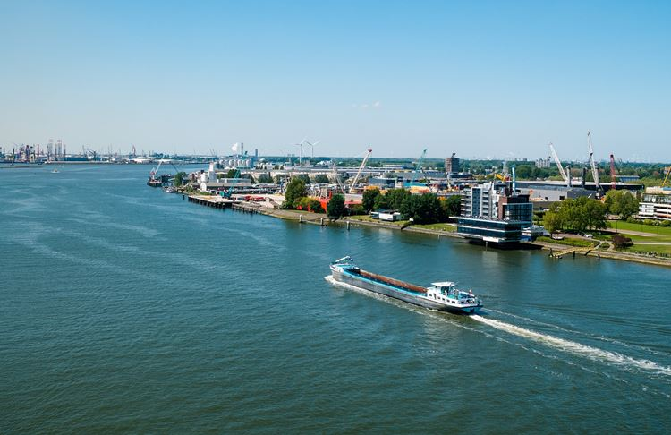 100 innovative Pilotprojekte im Rotterdamer Hafen