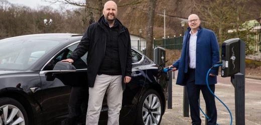 Efteling realisiert größten Ladepark der Benelux-Länder