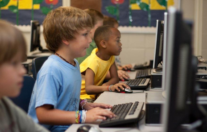Corona-Sonderprogramme zur Stärkung der Bildung
