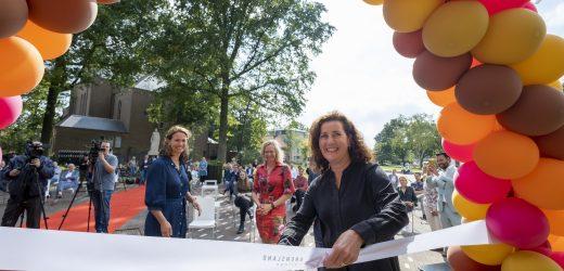 Grensland College officieel geopend door minister Van Engelshoven