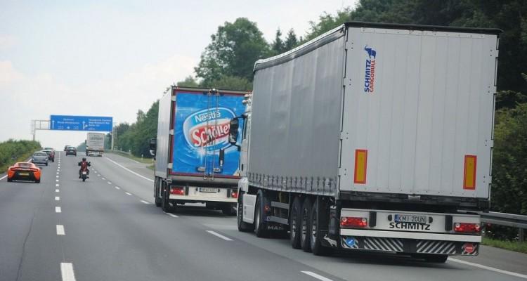 Afbeeldingsresultaat voor vrachtwagens op wegen